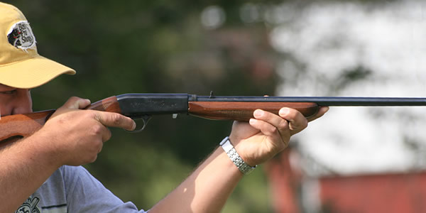 man-aiming-rifle-600x300